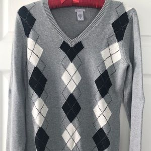 Long sleeve pull over sweater